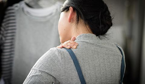 肩こりについて イメージ写真